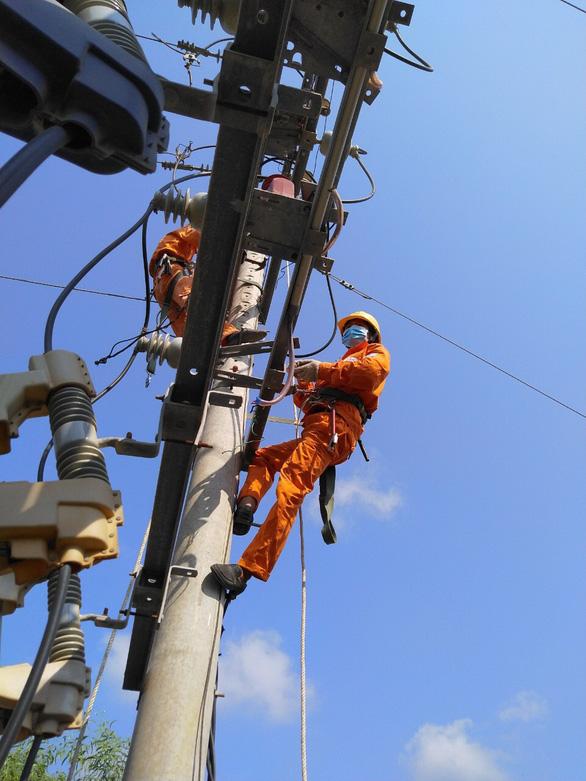 EVNSPC đảm bảo cấp điện phục vụ bầu cử 21 tỉnh, thành phía Nam - Ảnh 2.