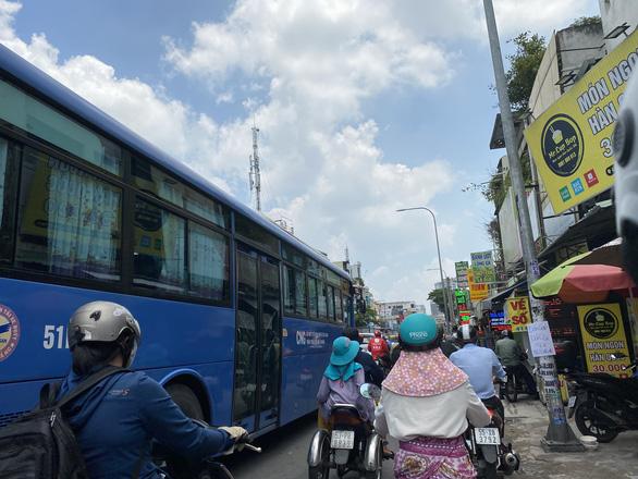 Các tuyến xe buýt nào ở TP.HCM tạm ngừng để phòng dịch? - Ảnh 1.