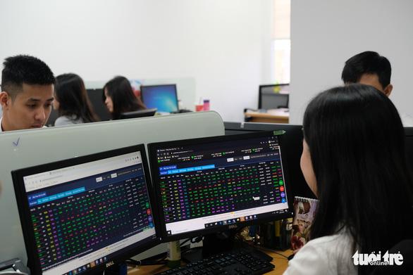 Chứng khoán tăng trưởng, doanh nghiệp đổ xô huy động vốn qua cổ phiếu - Ảnh 1.