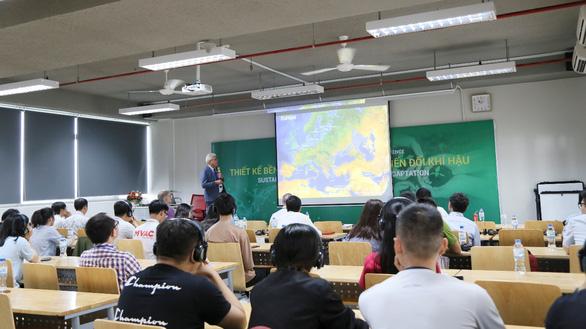 Doanh nghiệp cam kết thu nhập cao cho sinh viên Đại học Văn Lang tốt nghiệp ngành môi trường - Ảnh 1.