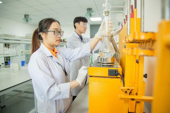Doanh nghiệp cam kết thu nhập cao cho sinh viên Đại học Văn Lang tốt nghiệp ngành môi trường - Ảnh 3.