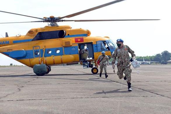 Bệnh viện dã chiến ở Nam Sudan cấp cứu thành công bệnh nhân đột quỵ não bằng đường không - Ảnh 1.