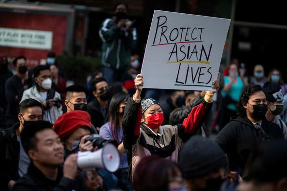 Người gốc Á ở Mỹ bị tấn công do ghét Trung Quốc? - Ảnh 2.
