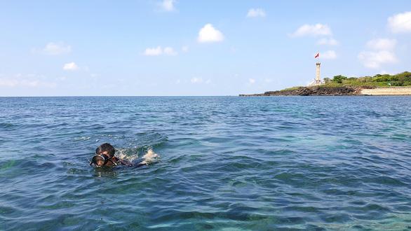 Có thể biến đảo Cồn Cỏ thành Maldives của Quảng Trị - Ảnh 1.