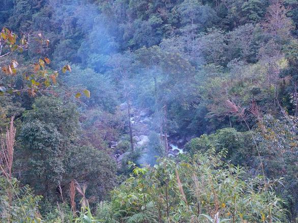 Phượt thủ từ Sài Gòn đột tử trên đường leo núi Pu Si Lung - Ảnh 1.
