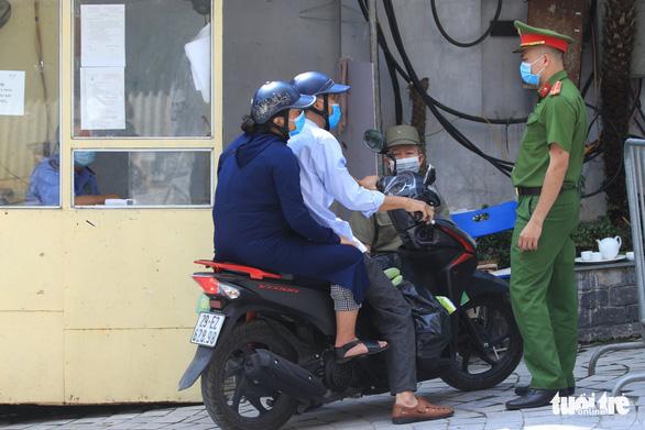 Nhân viên quán bar mắc COVID-19 ở Hà Nội đã đi những đâu? - Ảnh 2.