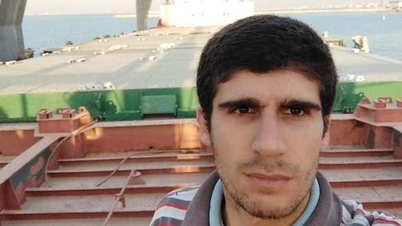 Gần kênh đào Suez, có một thủy thủ mắc kẹt trên tàu suốt... 4 năm - Ảnh 1.