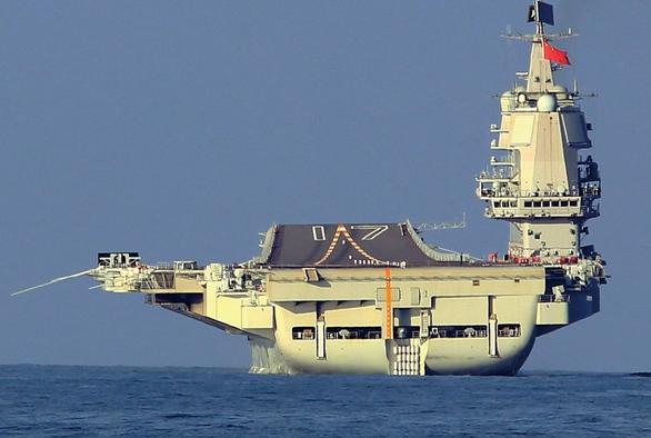 Trung Quốc đưa tàu sân bay thứ hai xuống Biển Đông - Ảnh 1.