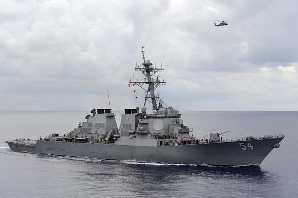 Trung Quốc tuyên bố đuổi tàu chiến Mỹ ở Hoàng Sa - Ảnh 1.