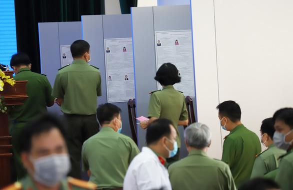 Lực lượng vũ trang Cần Thơ bầu cử sớm, nghiêm ngặt công tác phòng dịch - Ảnh 7.