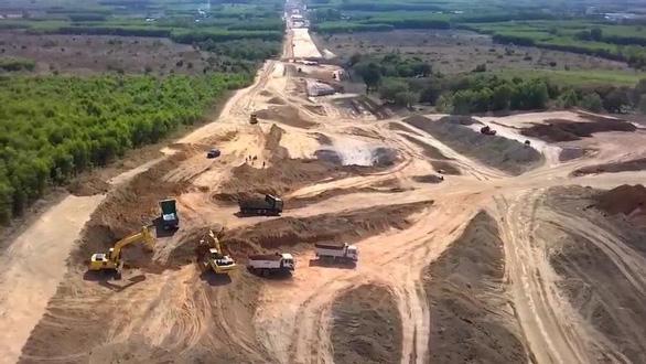 Nhà nước hỗ trợ vốn mồi, làm 5.000km đường cao tốc, 1.700km đường bộ ven biển - Ảnh 1.