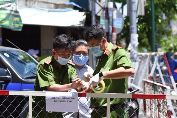 TP.HCM: Người bán quán ăn ở quận 3 mắc COVID-19, từng đến Trung tâm y khoa Hòa Hảo - Ảnh 1.