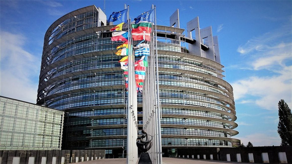 Nghị viện châu Âu hoãn xem xét thỏa thuận đầu tư với Trung Quốc - Ảnh 1.