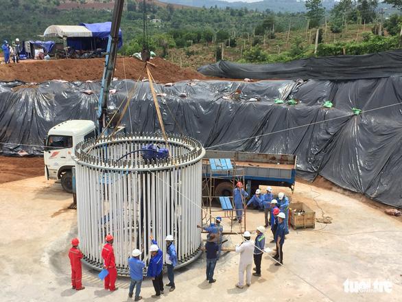 Sử dụng lao động Trung Quốc không phép tại dự án điện gió vì… áp lực tiến độ? - Ảnh 2.