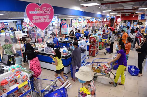 Nghĩ về kỷ lục hệ thống siêu thị thuần Việt lâu đời nhất Việt Nam - Ảnh 1.