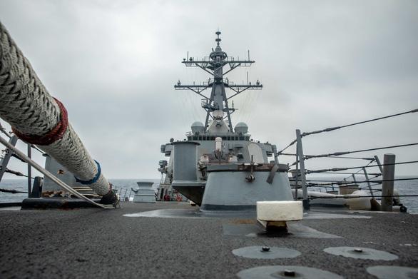 Trung Quốc nói 'đã trục xuất' tàu khu trục Mỹ ở quần đảo Hoàng Sa - Ảnh 1.