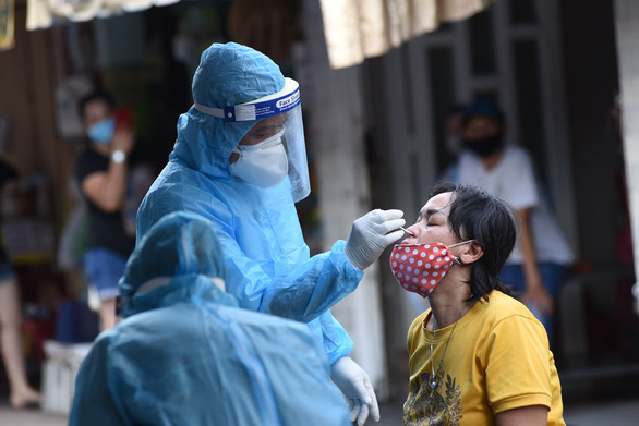 Hơn 6.000 người liên quan 6 ca mắc COVID-19 có kết quả âm tính, gỡ khoanh vùng chợ Phú Nhuận - Ảnh 1.