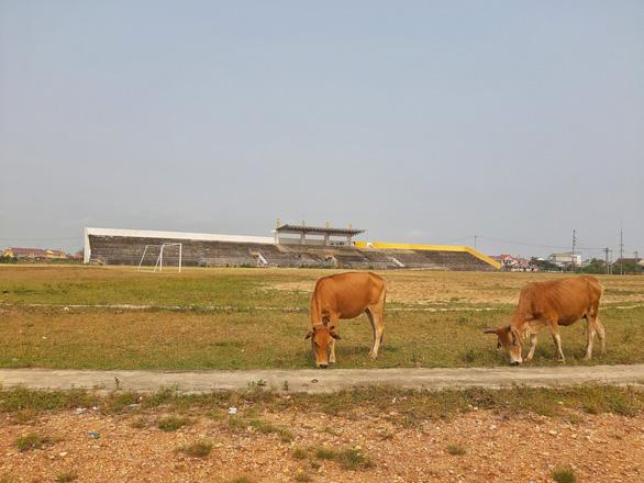 Trung tâm văn hóa thể thao 21 tỉ đồng ở Thừa Thiên Huế xây 8 năm vẫn chưa xong - Ảnh 2.