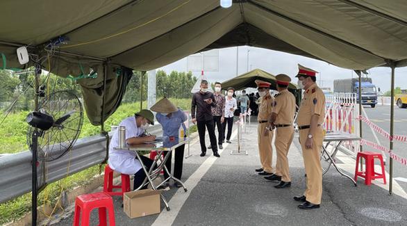 Cảnh sát giao thông huy động tối đa lực lượng đảm bảo an toàn bầu cử - Ảnh 2.