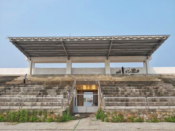 Trung tâm văn hóa thể thao 21 tỉ đồng ở Thừa Thiên Huế xây 8 năm vẫn chưa xong - Ảnh 1.