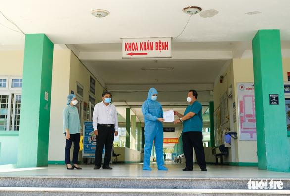 Cập nhật tin COVID-19 ngày 21-5: Bệnh nhân đầu tiên trong đợt dịch thứ 3 ở Đà Nẵng xuất viện - Ảnh 1.