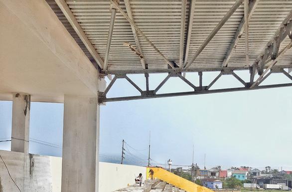 Trung tâm văn hóa thể thao 21 tỉ đồng ở Thừa Thiên Huế xây 8 năm vẫn chưa xong - Ảnh 3.