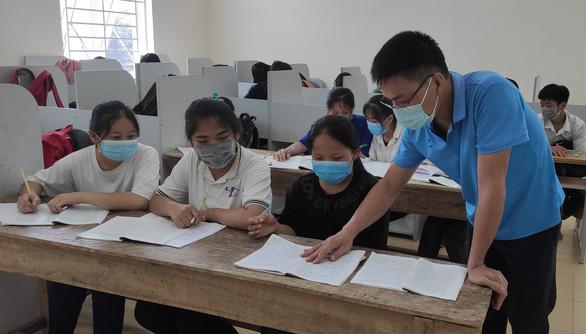 Thanh Hóa yêu cầu học sinh lớp 9, lớp 12 không đi khỏi địa phương để thi hết cấp - Ảnh 1.
