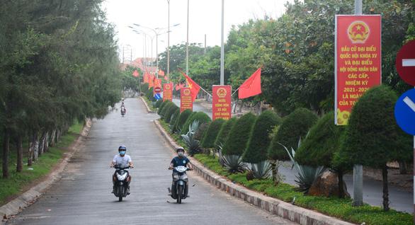 Hơn 20.000 cử tri đảo Phú Quý sẵn sàng cho ngày bầu cử - Ảnh 1.