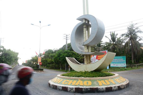 Hơn 20.000 cử tri đảo Phú Quý sẵn sàng cho ngày bầu cử - Ảnh 5.