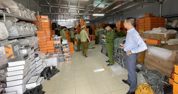 Phát hiện nhiều container hàng quá cảnh vi phạm, từ chứa ma túy đến hàng giả - Ảnh 1.
