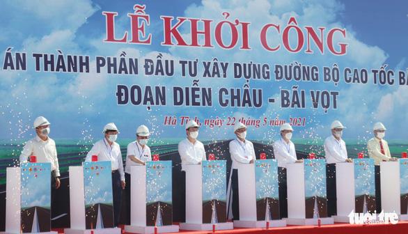 Khởi công xây cao tốc Diễn Châu - Bãi Vọt hơn 11.100 tỉ đồng - Ảnh 1.