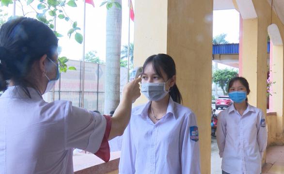 Thái Bình lùi lịch thi vào lớp 10, Quảng Ninh dự kiến thi đầu tháng 6 - Ảnh 1.