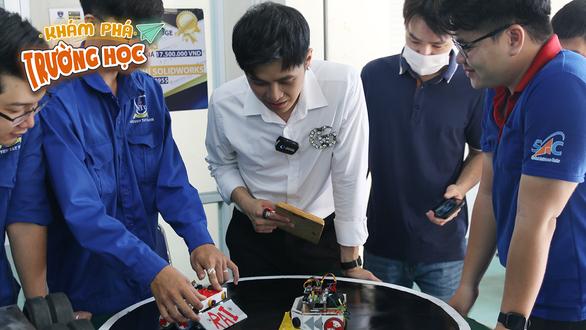 19h hôm nay 22-5, phát sóng Khám phá trường học tại ĐH Nguyễn Tất Thành - Ảnh 2.