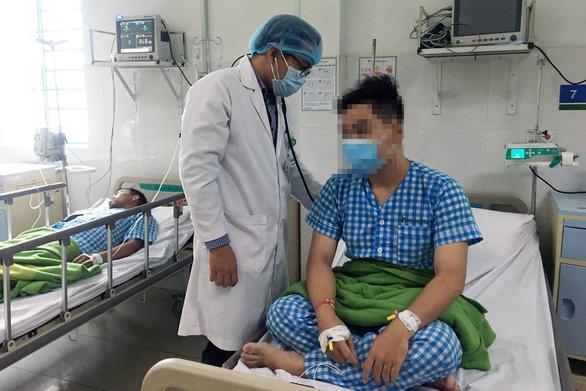 Nhập viện cấp cứu sau khi ăn đặc sản ve sầu - Ảnh 1.