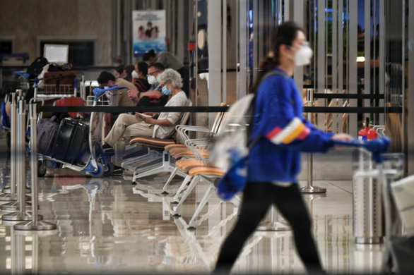 Khách từ Việt Nam đến Singapore phải cách ly 21 ngày ở cơ sở chuyên dụng - Ảnh 1.