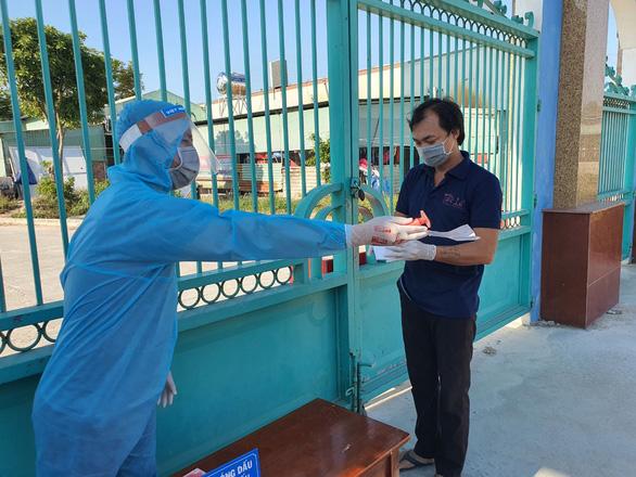 Ngày bầu cử đặc biệt trong khu cách ly - Ảnh 1.