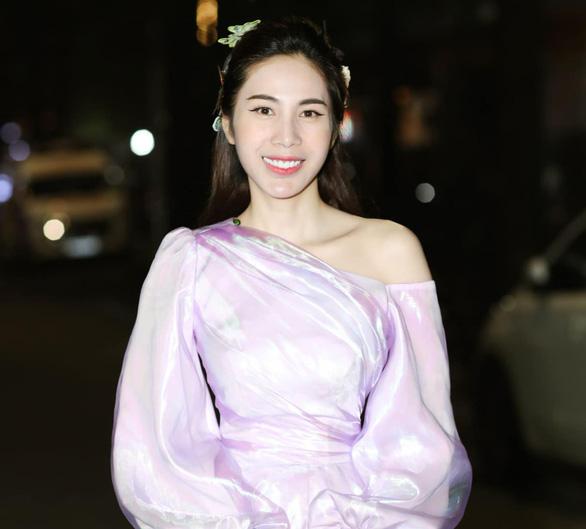 Đạo diễn Mỹ Khanh, ca sĩ Thủy Tiên nói về khán giả nuôi nghệ sĩ - Ảnh 10.