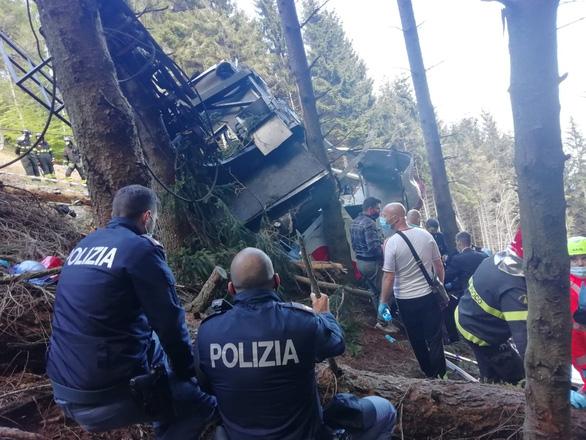 Cabin cáp treo bị rơi, 12 người thiệt mạng - Ảnh 2.