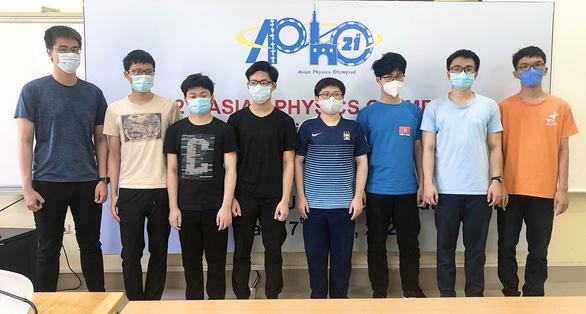 Học sinh Hà Nội đạt điểm cao nhất Olympic vật lý châu Á - Thái Bình Dương - Ảnh 1.