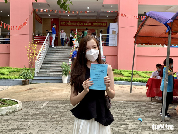 Hoa hậu Tiểu Vy, á hậu Diễm Trang, hoa khôi Thúy Vi háo hức đi bầu cử - Ảnh 5.