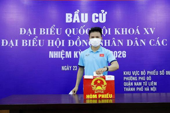 Đội tuyển quốc gia và U22 Việt Nam bầu cử ngay tại trụ sở VFF - Ảnh 1.