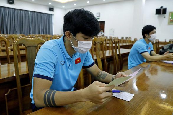 Đội tuyển quốc gia và U22 Việt Nam bầu cử ngay tại trụ sở VFF - Ảnh 2.