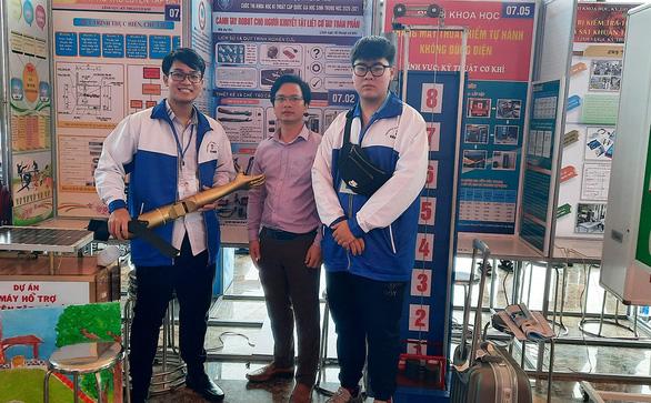 Cánh tay robot đoạt giải khoa học quốc tế - Ảnh 1.