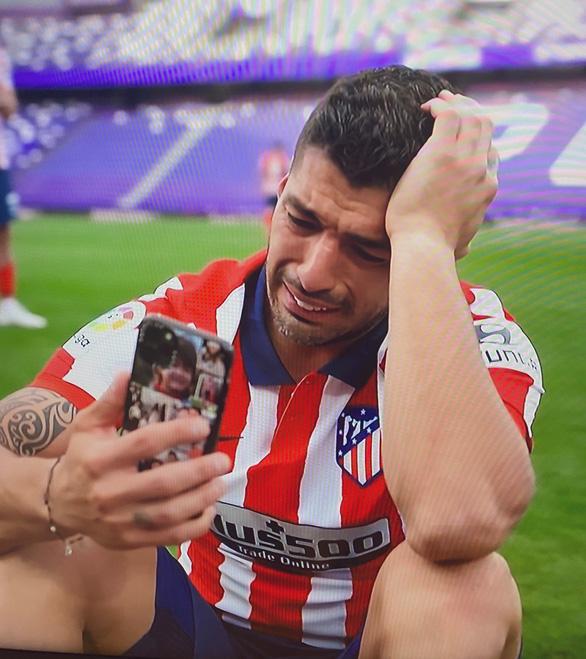 Suarez bật khóc: Barca coi thường tôi, còn Atletico Madrid đã mở cửa cho tôi - Ảnh 1.