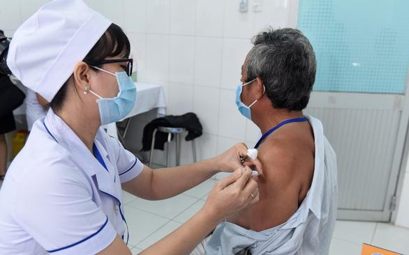 Cuối tháng 5 tiêm vắc xin COVID-19 made in Việt Nam trên nhiều người - Ảnh 1.