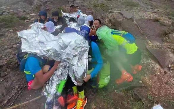 Trung Quốc điều tra vụ 21 vận động viên thiệt mạng khi dự giải Marathon Jingtai - Ảnh 1.