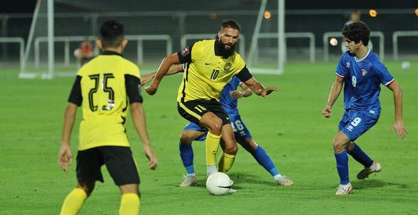 Cầu thủ nhập tịch gốc Brazil ghi bàn, Malaysia vẫn thảm bại 1-4 trước Kuwait - Ảnh 2.