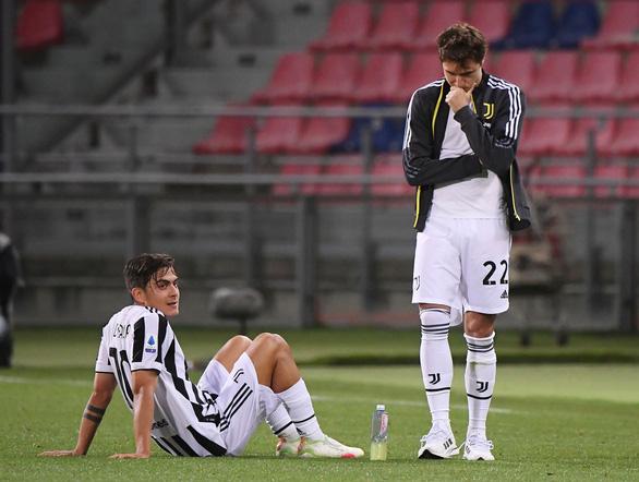Napoli đánh rơi chiến thắng, Juventus lách khe cửa hẹp để giành vé dự Champions League - Ảnh 4.