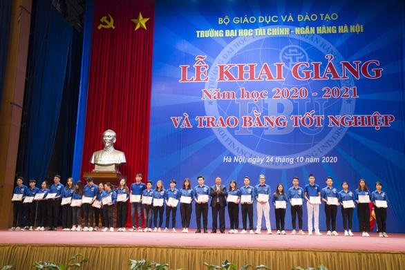Trường đại học Tài Chính Ngân Hàng Hà Nội tuyển sinh năm học 2021- 2022 - Ảnh 1.