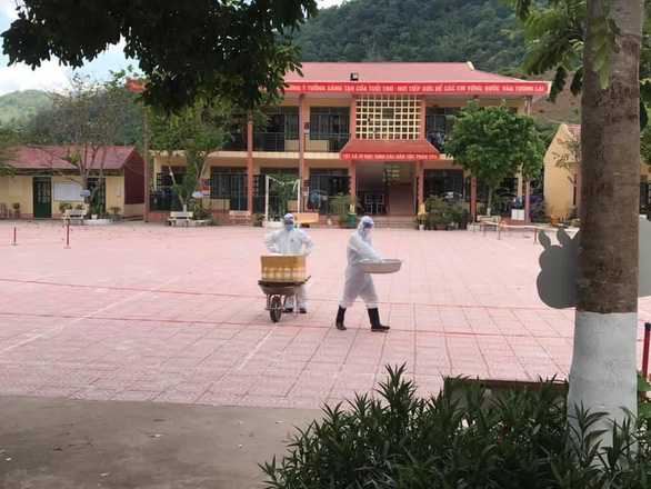Bác sĩ nơi tâm dịch: Không được phép khóc ở Điện Biên! - Ảnh 1.